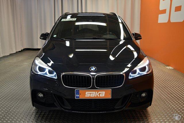 BMW 218 2
