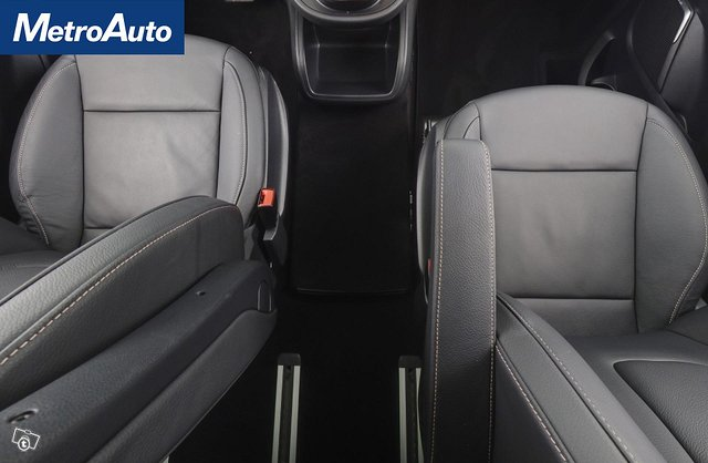 Mercedes-Benz EQV 11