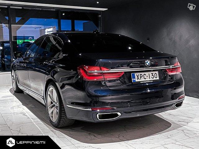 BMW 740 8