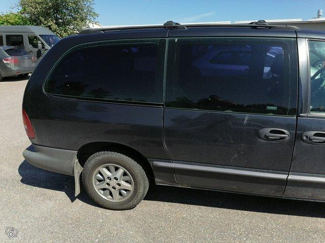 Chrysler Voyager-sarja 4