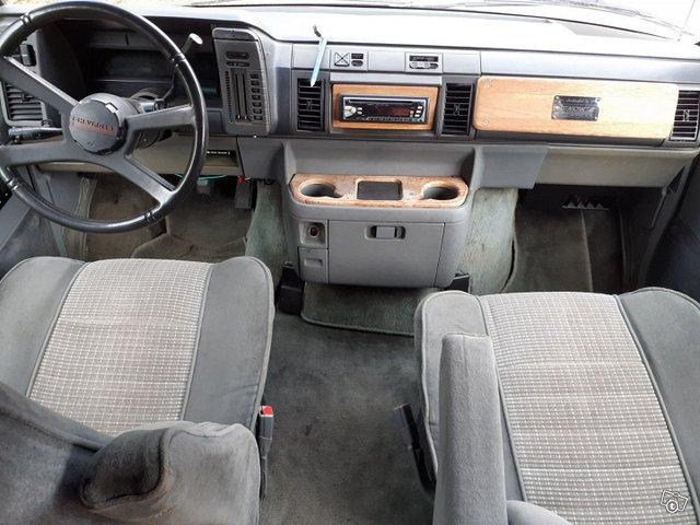 Chevrolet Astro 5