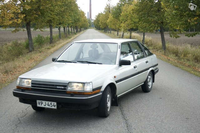 Toyota Carina, kuva 1
