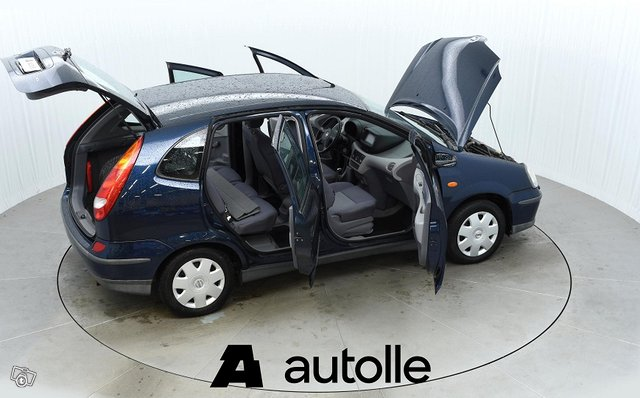 Nissan Almera Tino 10