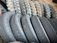 Venetrailerin metsäkärryn ym lukkovanne renkaat