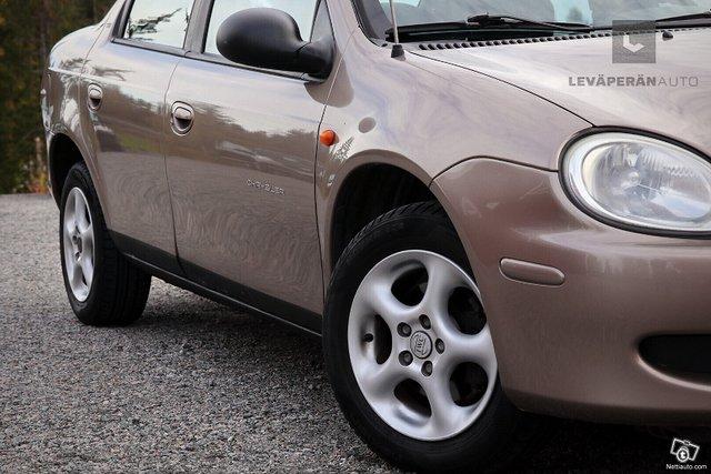 Chrysler Neon 2