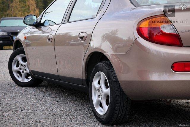 Chrysler Neon 5