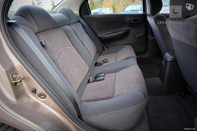 Chrysler Neon 11