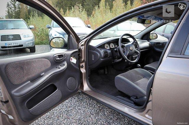Chrysler Neon 15