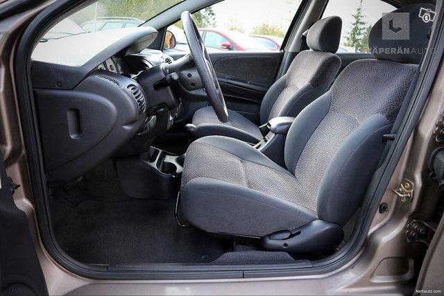 Chrysler Neon 16