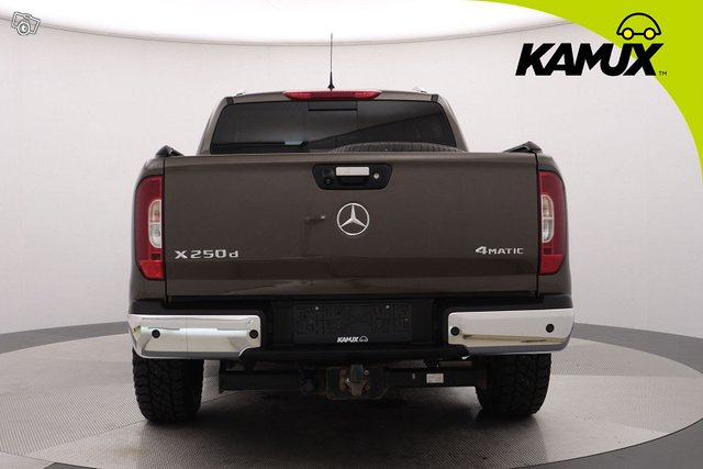 Mercedes-Benz X 5