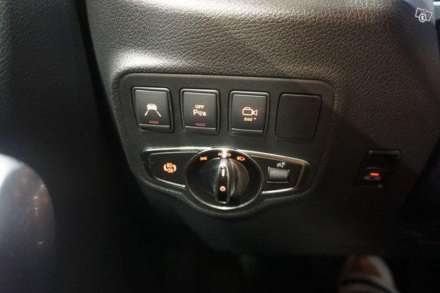 Mercedes-Benz X 18