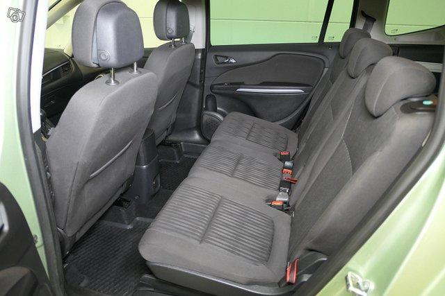 Opel Zafira Tourer 12