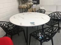Damian ruokapöytä