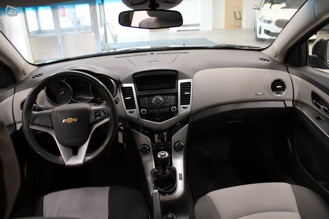 Chevrolet Cruze 14