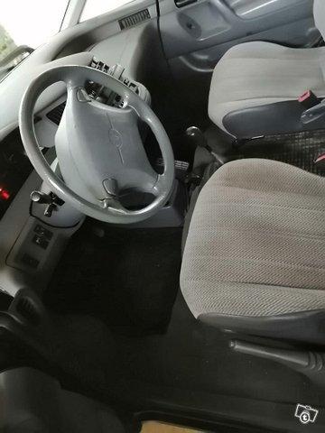Toyota Previa 6