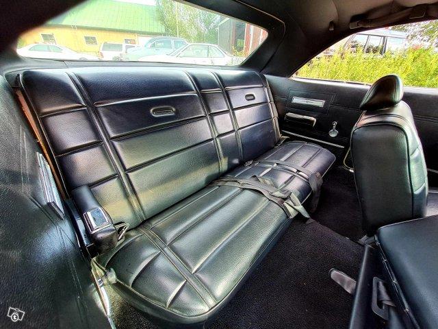 Chrysler Newport 8
