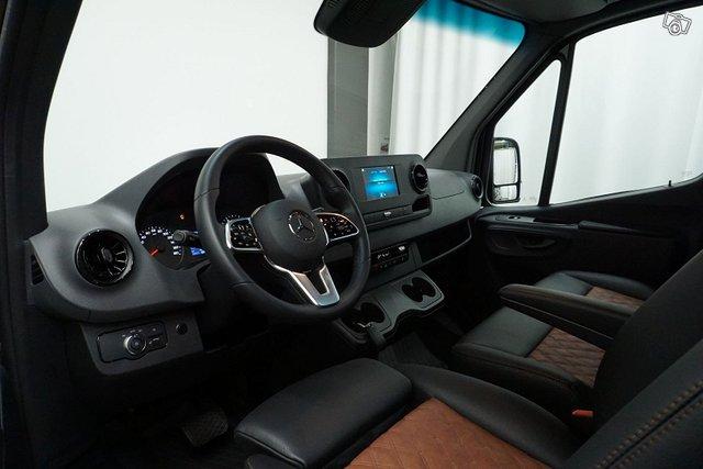 Mercedes-Benz Sprinter 13