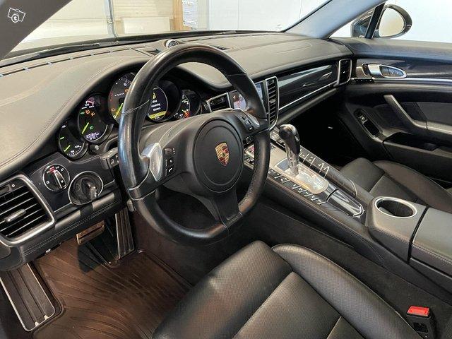 Porsche Panamera 6