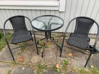 Terassikalusteet, pöytä+ 2 tuolia