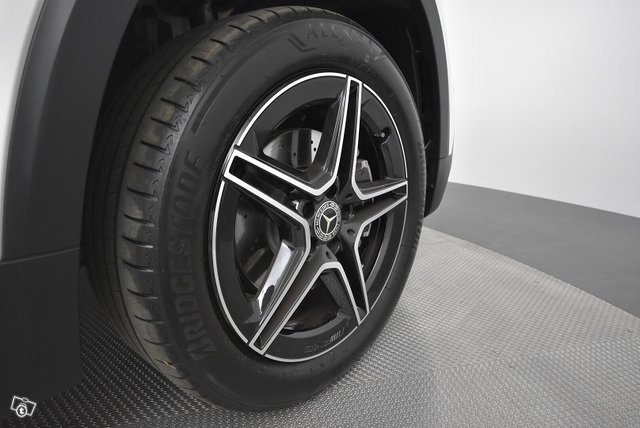 Mercedes-Benz GLB 22