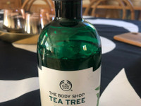 Tea tree skin cleaning