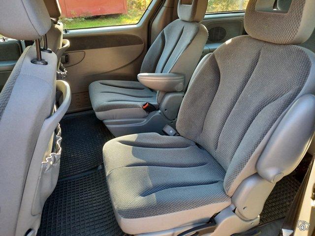 Chrysler Voyager-sarja 8
