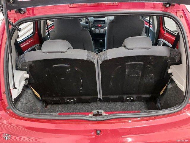Peugeot 107 13