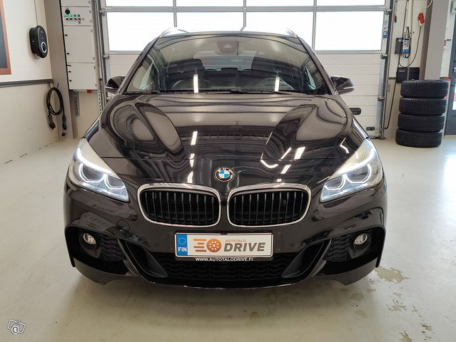 BMW 220 Gran Tourer 8