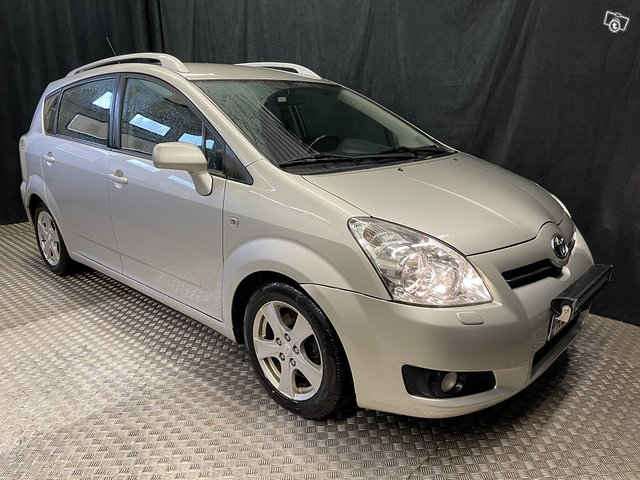 Toyota Corolla Verso 6