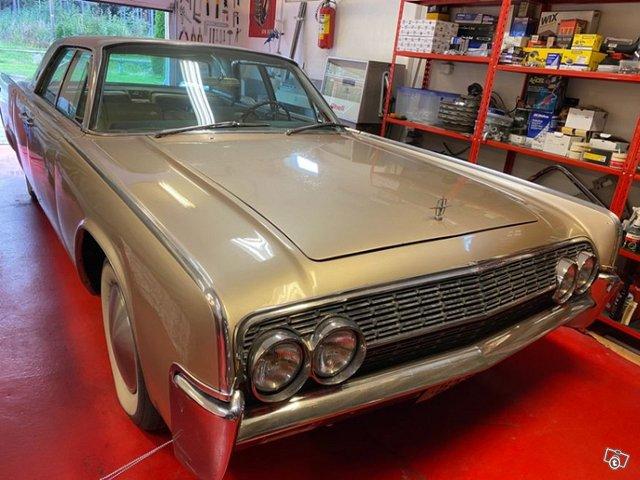 Lincoln Continental 9