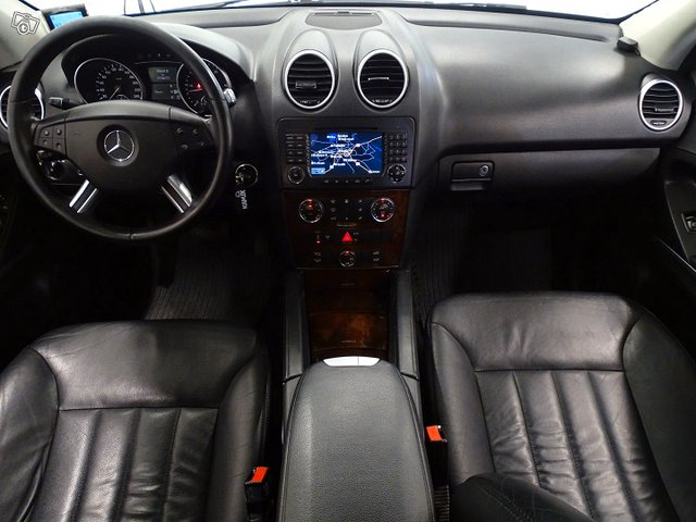 Mercedes-Benz ML 15