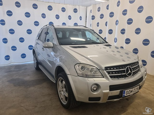 Mercedes-Benz ML 63 AMG 3