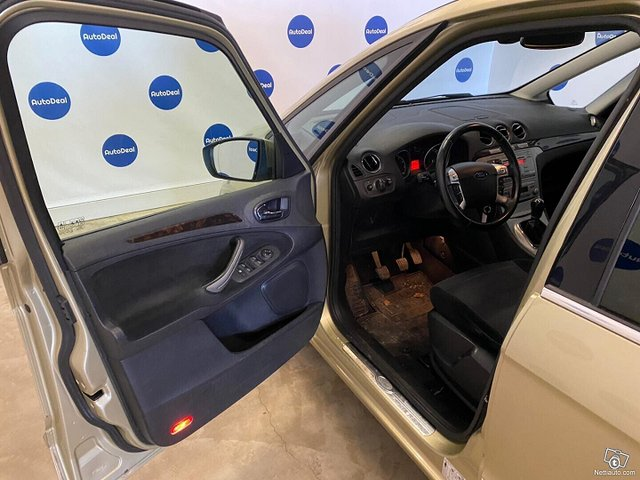 Ford Galaxy 7