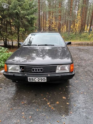 Audi 100, kuva 1