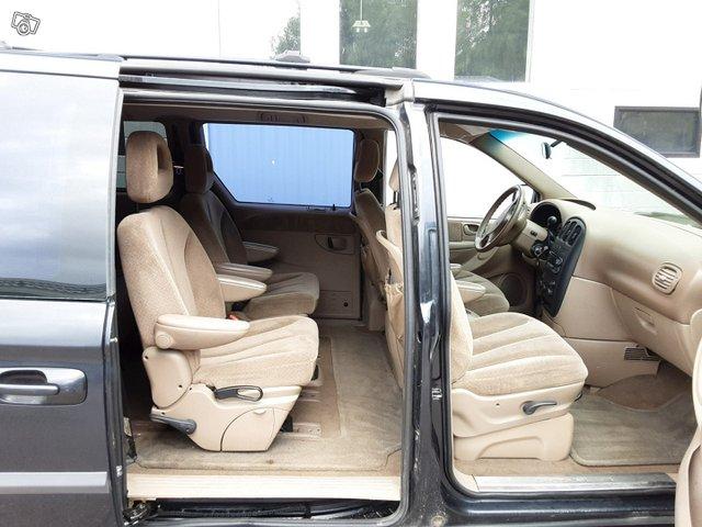 Chrysler Voyager-sarja 9