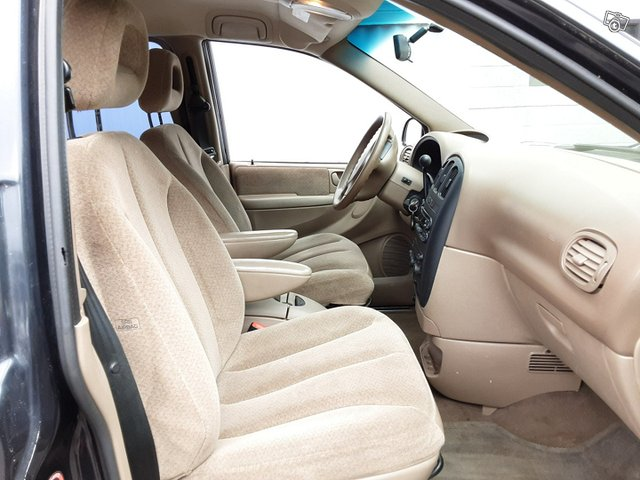 Chrysler Voyager-sarja 10