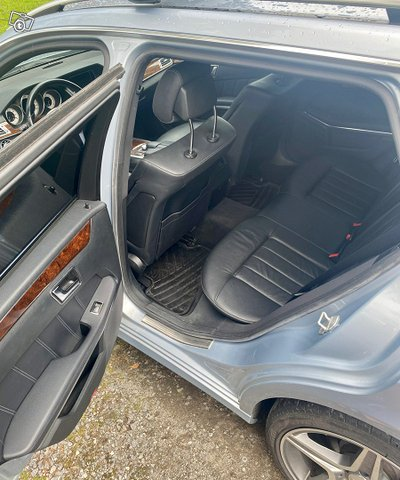 Mercedes-Benz E-sarja 9