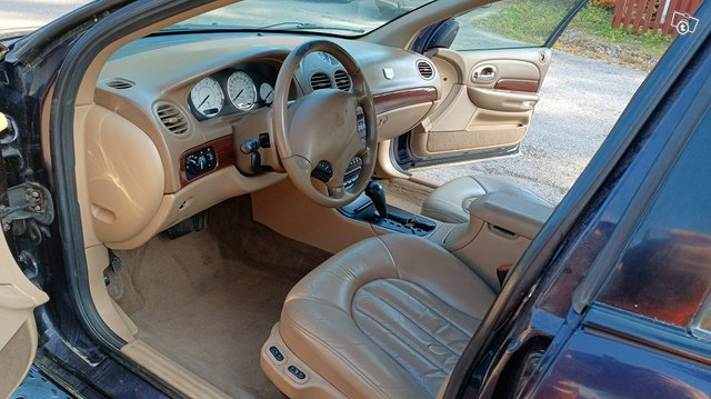 Chrysler 300M 3