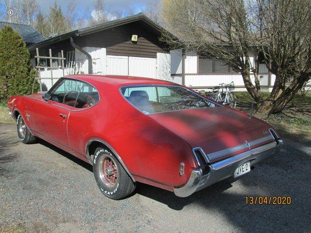 Oldsmobile Cutlass 4