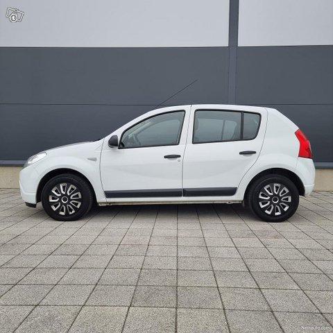 Dacia Sandero 1