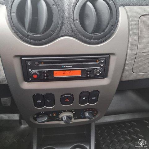 Dacia Sandero 16