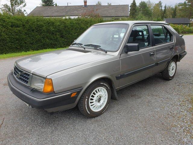 Volvo 360, kuva 1