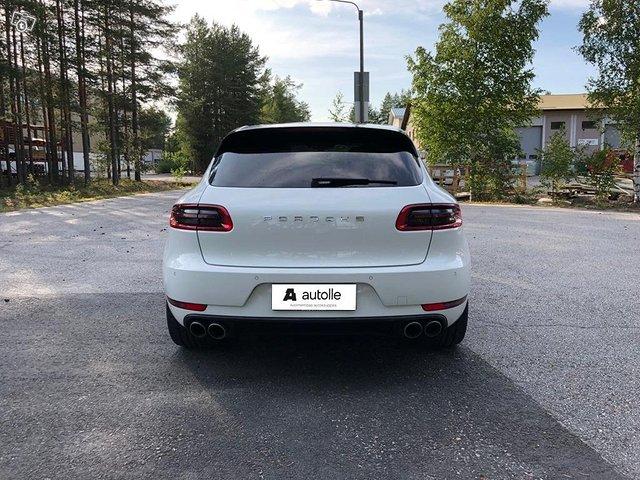 Porsche Macan 6