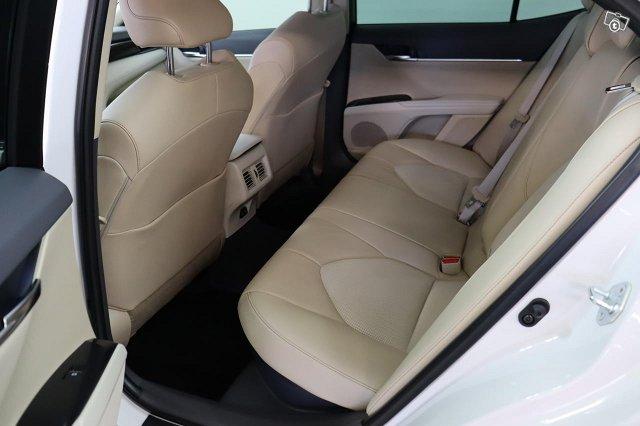 Toyota CAMRY 8