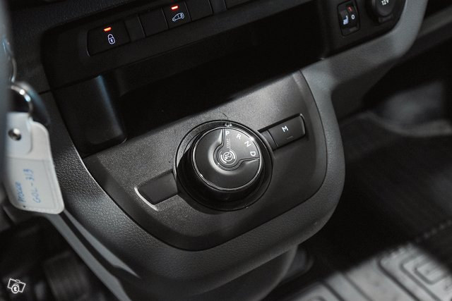 Toyota Proace 14