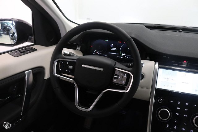 Land Rover Discovery Sport 11