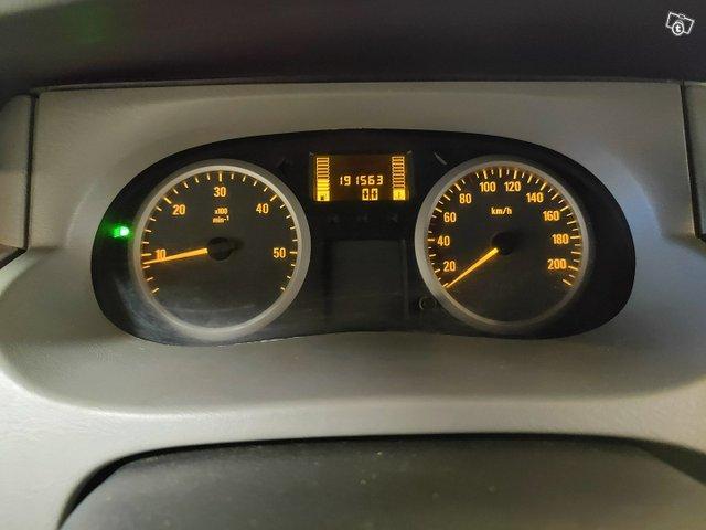 Opel Vivaro 12