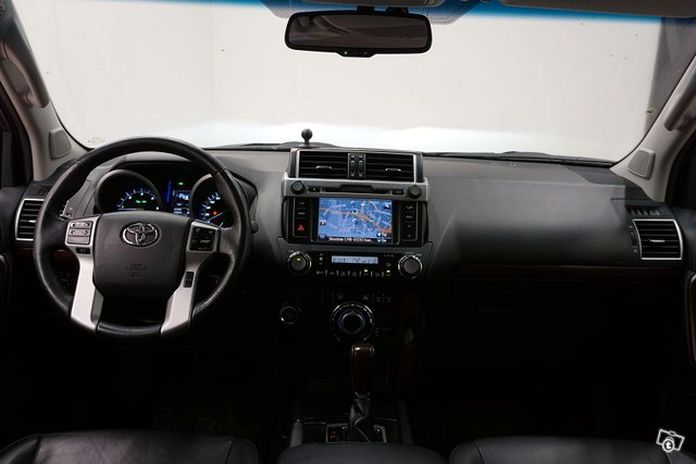 Toyota Land Cruiser 24