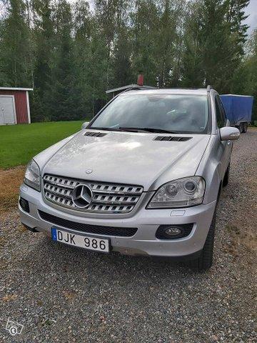 Mercedes-Benz ML 420, kuva 1