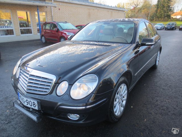 Mercedes-Benz E, kuva 1